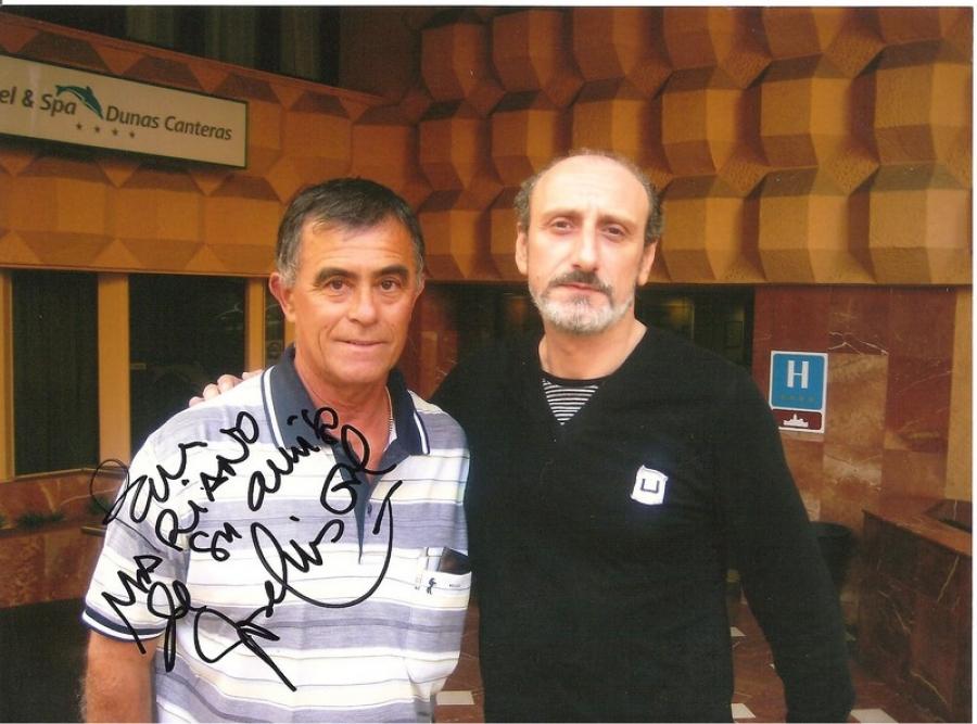 ¿Cuánto mide José Luis Gil? - Altura - Página 5 B8be0c31d8c923440f8ffc4e5e818d73_XL